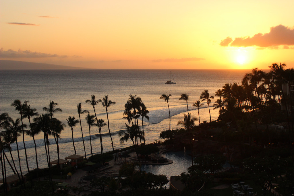 Maui Honeymoon | Tips and Recommendations brighterdarling.com Honeymoon in Maui Sunset
