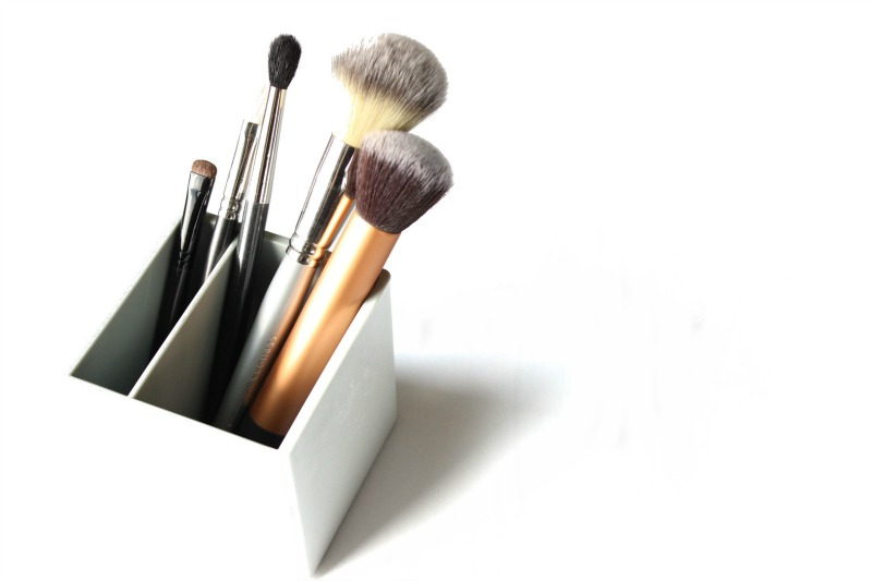 top 5 makeup brushes makeup brushes you really need