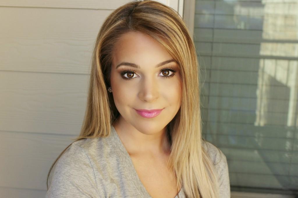 Holiday Makeup Gold Sparkly Eyeshadow Pink Lips Brighterdarling.com