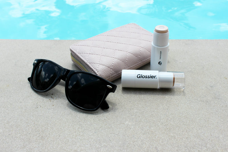 Glossier Haloscope Review and Giveaway on brighterdarling.com