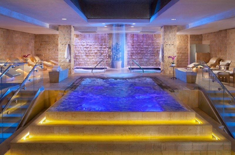 Caesars Qua Spa Las Vegas Review | Getting my first Hydrafacial