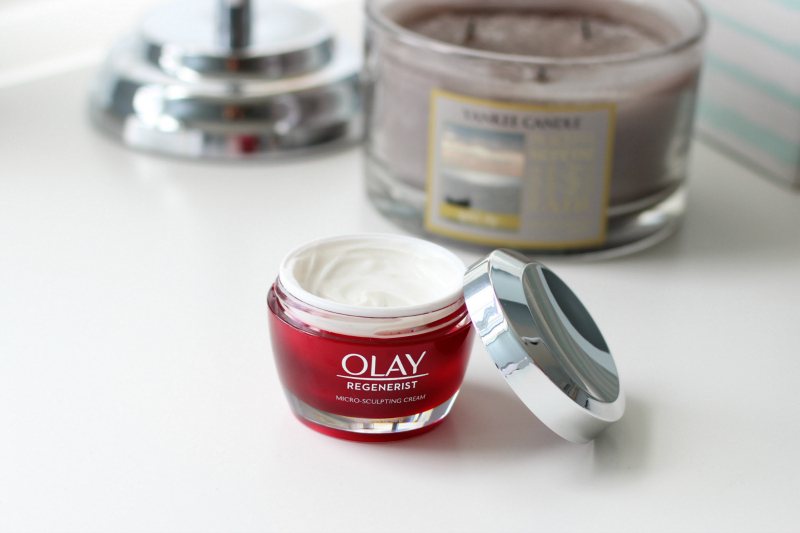 Olay Regenerist Micro Sculpting Cream Review Cream Texture Close Up | Anti Aging Facial Products | Skin Repair Cream