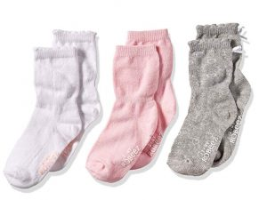 robeez baby socks | newborn must haves to keep you sane