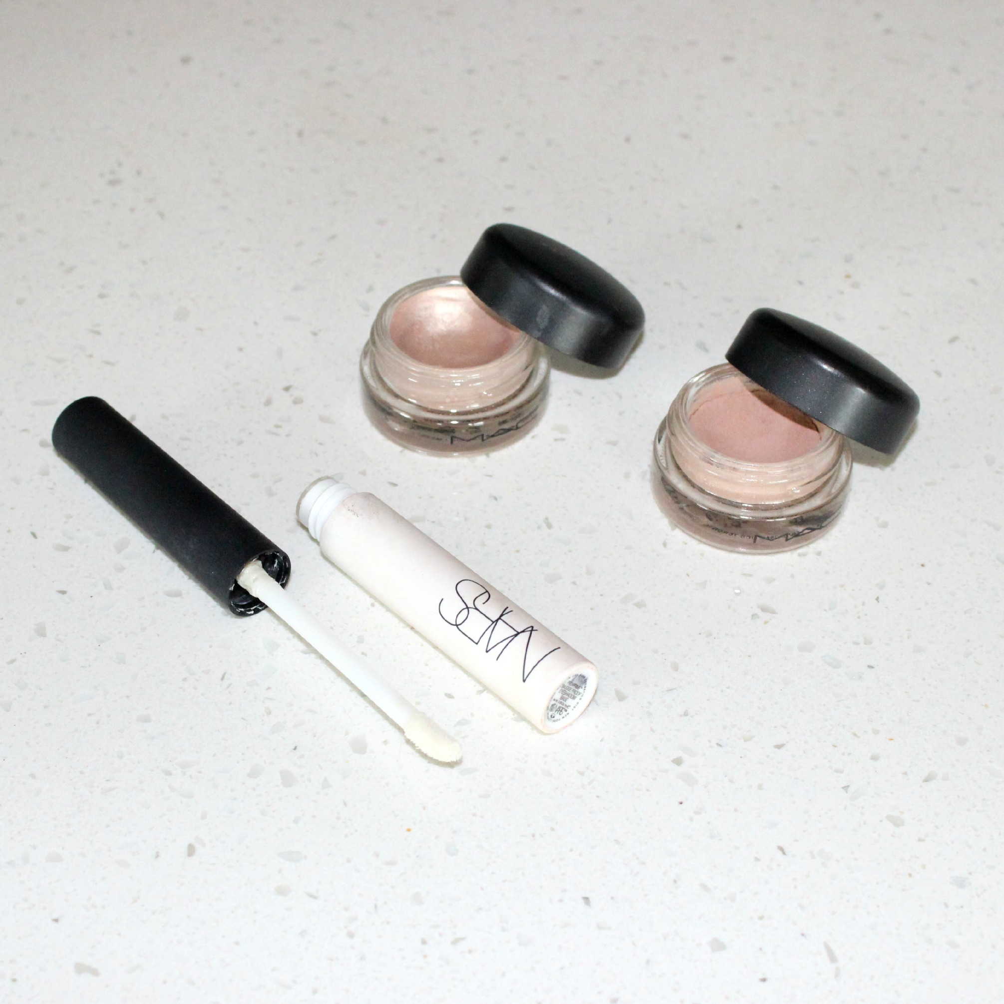 Best Eye Primers | MAC Paintpot Painterly Bare Study NARS Smudgeproof Eyeshadow Base | Brighterdarling.com