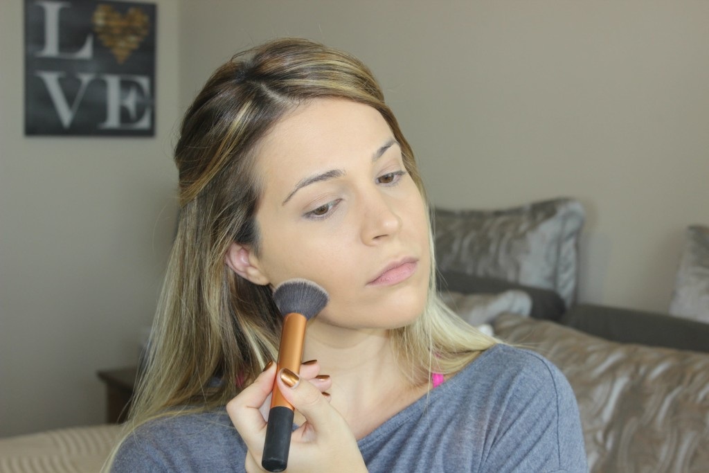 Step-1-Foundation-Urban-Decay-Naked-Skin-Real-Techniques-Buffing-Brush