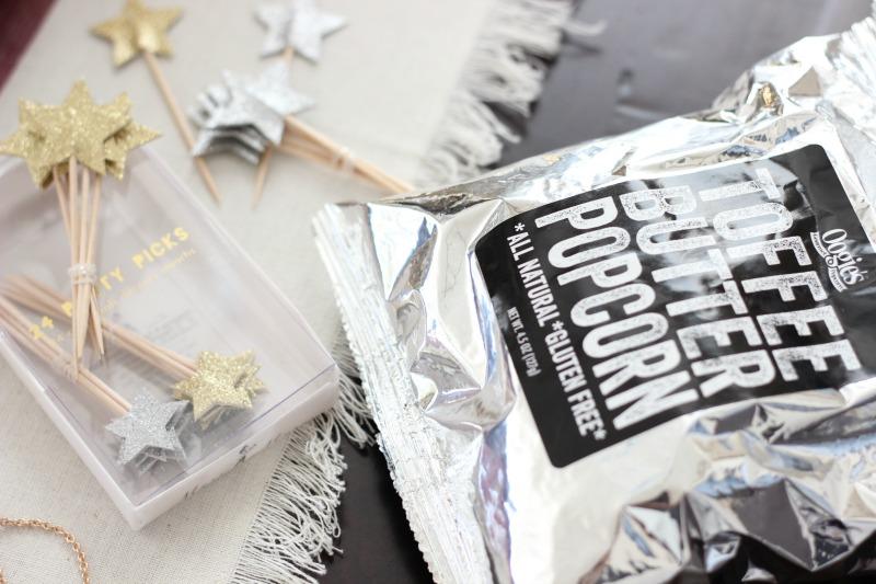 November 2016 POPSUGAR Must Have Box Review   Meri Meri Glitter Star Party Picks and Oogie's Snacks Gourmet Toffee Butter Popcorn