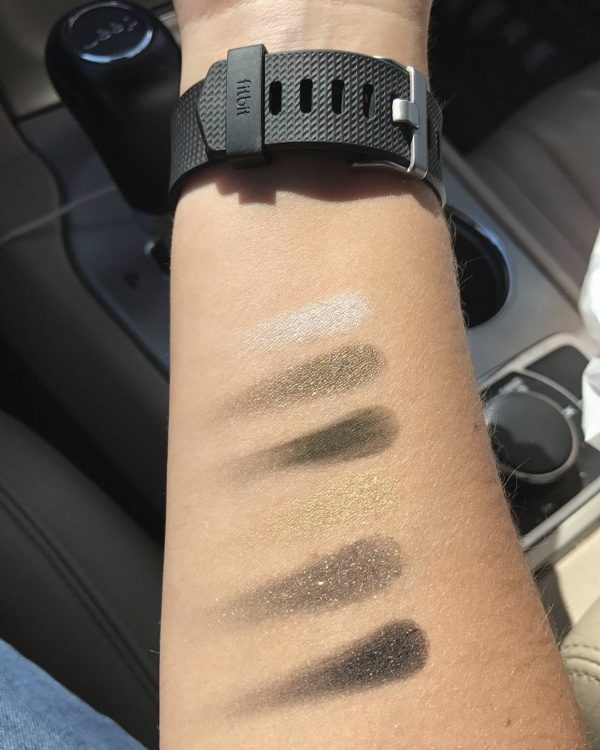 Maybelline City Mini Palette Urban Jungle Swatches In Daylight