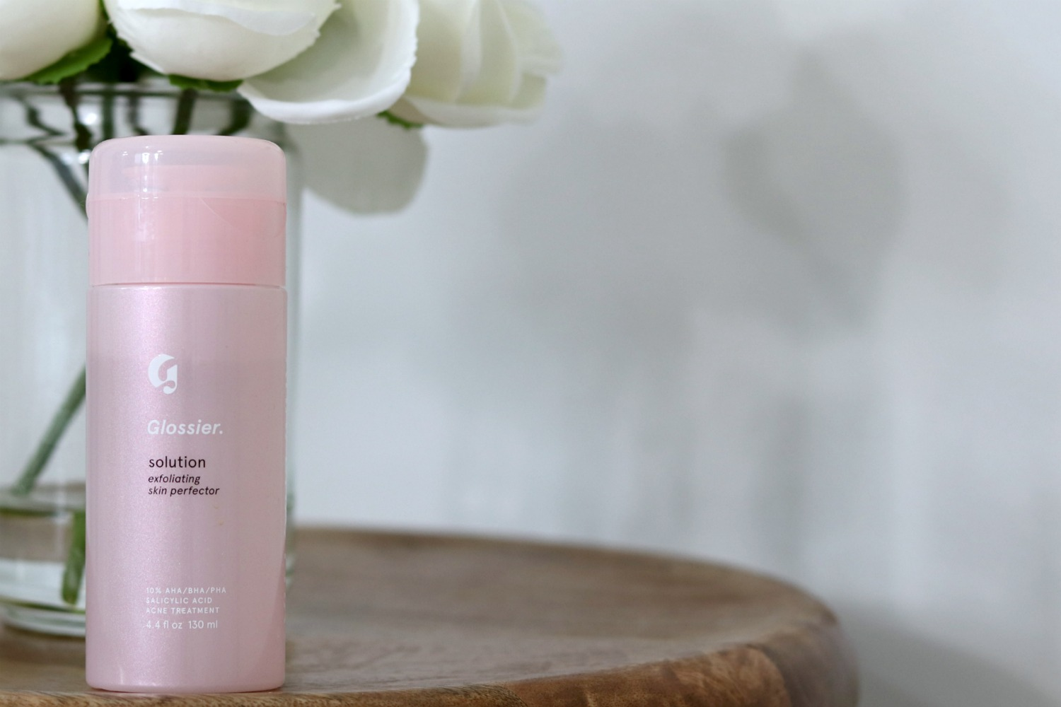 Glossier Solution Exfoliating Skin Perfector Review hero | Brighter Darling Blog