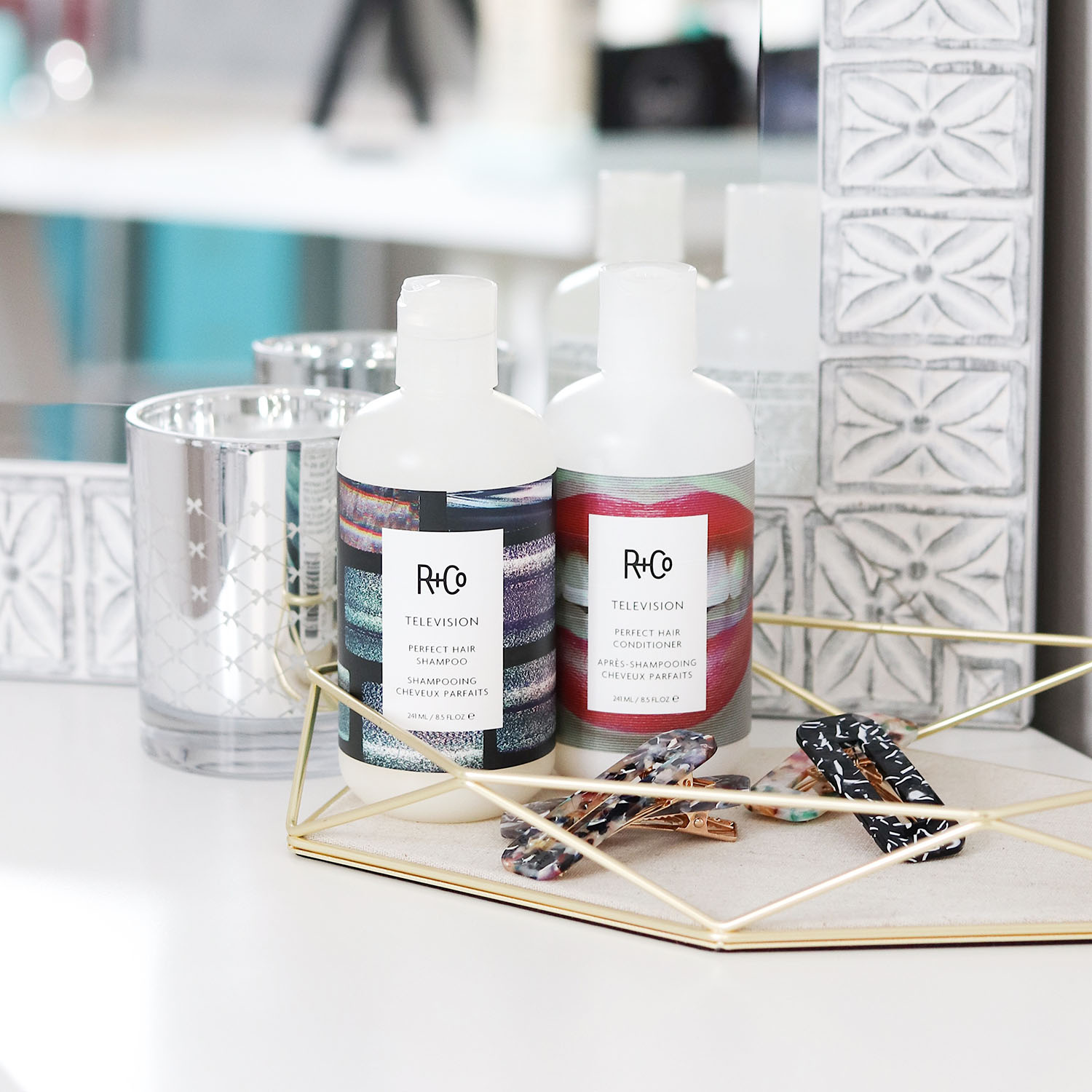 All of my favorite hair care products for blonde ash platinum hair | favorite hair products for healthy voluminous blonde hair brighter darling | R and Co Television Hair Products