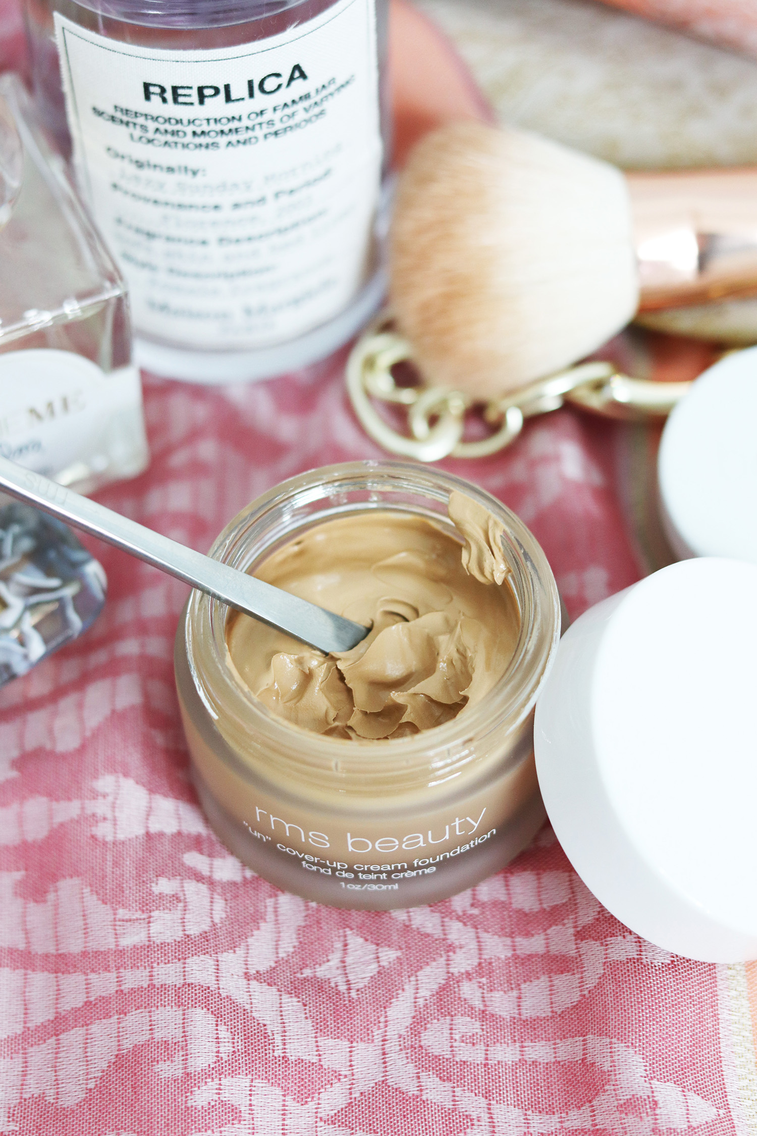 rms uncover up foundation shade 33 review | clean beauty full coverage foundation