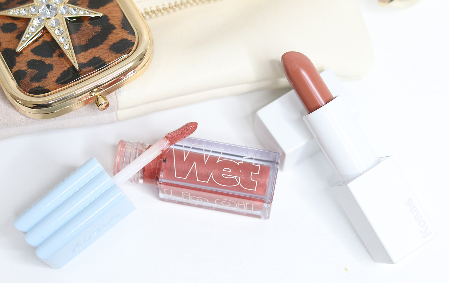 KOSAS Wet Lip Oil in Dip and KOSAS Weightless Lipstick in Vegas review and swatches