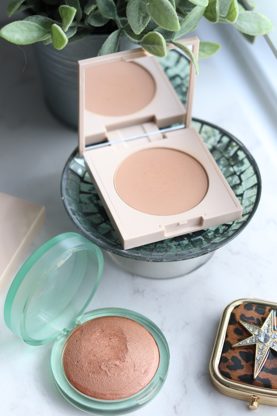 KOSAS The Sun Show Bronzer Medium | ILIA Nightlite Bronzer Drawn In